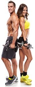 homme et femme en tenu de sport portant des halteres