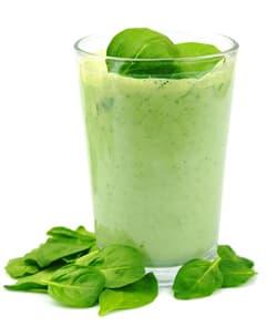 verre rempli d'une boisson a base de poudre verte - WeightWorld