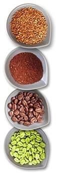 4 tasses remplies de grains de café de toutes les couleurs