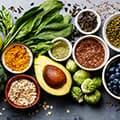 image de différents types de super-aliments pour montrer ce que vous devriez manger