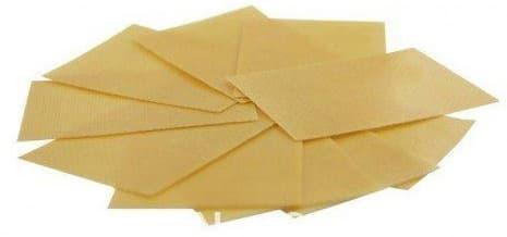 ensemble de patchs minceur beiges sur un fond blanc